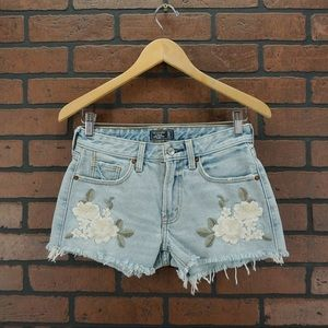 ABERCROMBIE & FITCH Floral Embroidered Jean Shorts